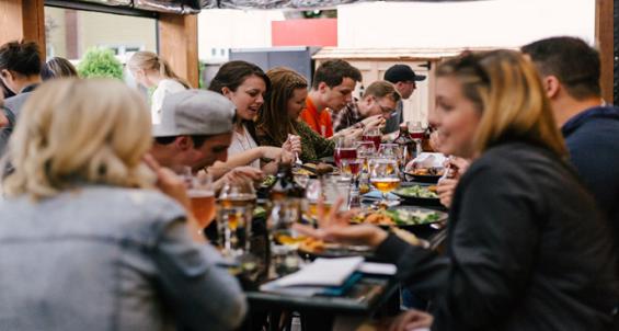 1 168 运营故事:老李如何通过拍视频来宣传自己的餐馆?