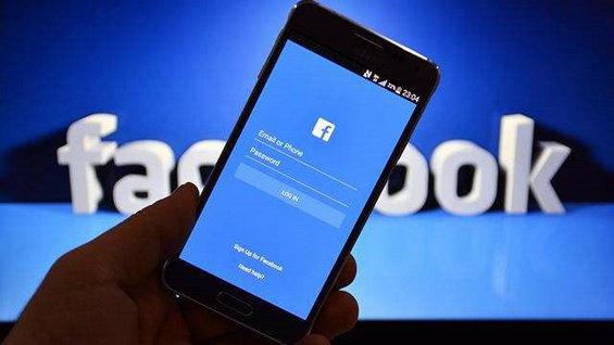 Facebook在前,微信在后,后浪推前浪